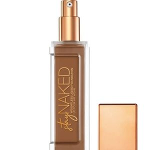UD 71NN Stay Naked Weightless Liquid Foundation